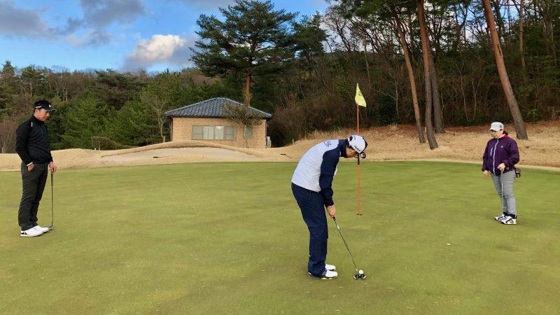 ゴルフパッティングの写真1