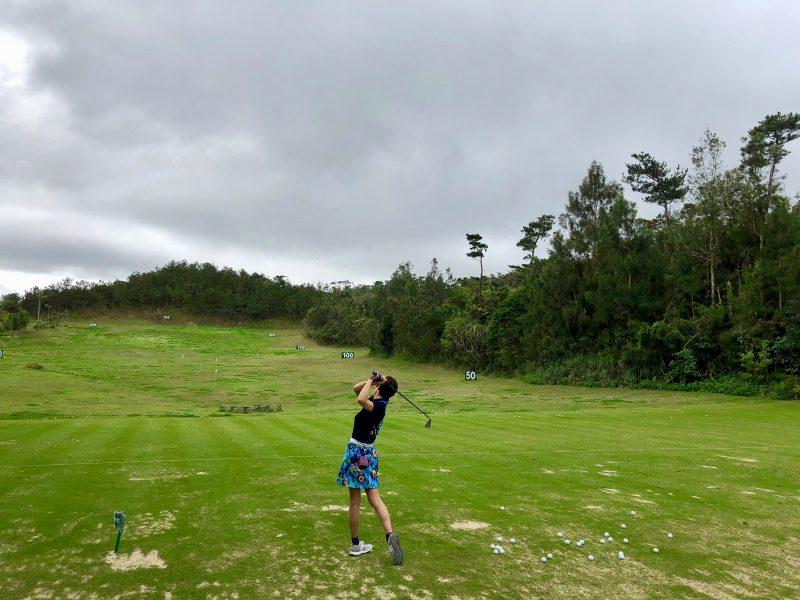 GEN-TENゴルフコースレッスンドライビングレンジフィニッシュの写真