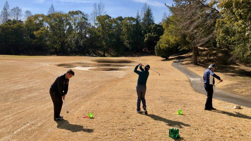 GEN-TENゴルフコースレッスン定点練習ショット