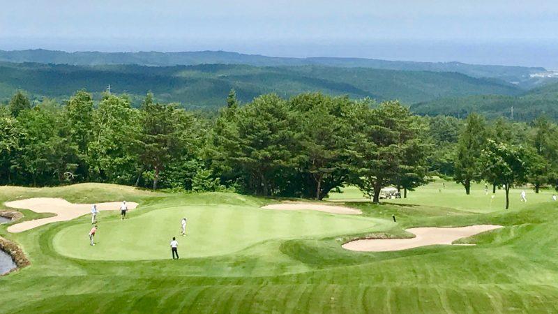 GEN-TENゴルフコースレッスン強化合宿青森スプリングGCグリーンパッティングの写真