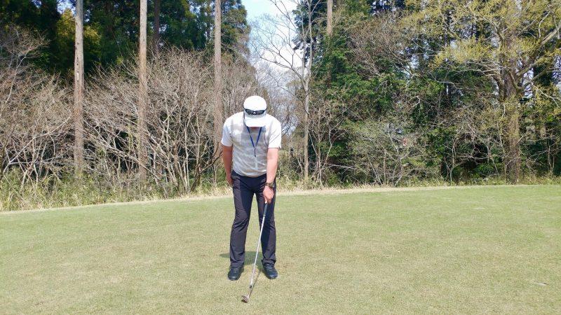 GEN-TENゴルフコースレッスンショートスイング左手アドレスの写真②