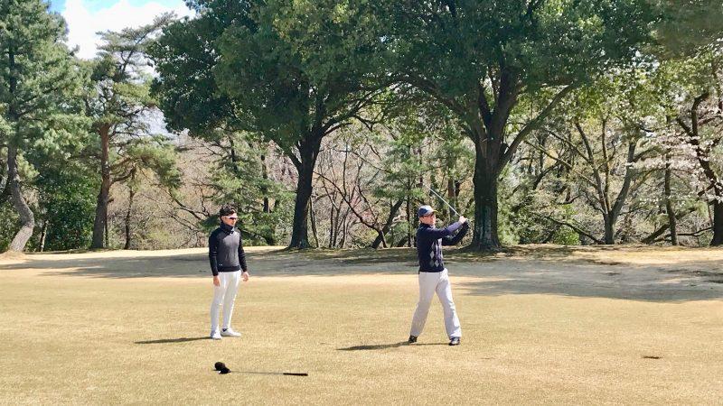 GEN-TENゴルフコースレッスンフェアウェイウッドのショット