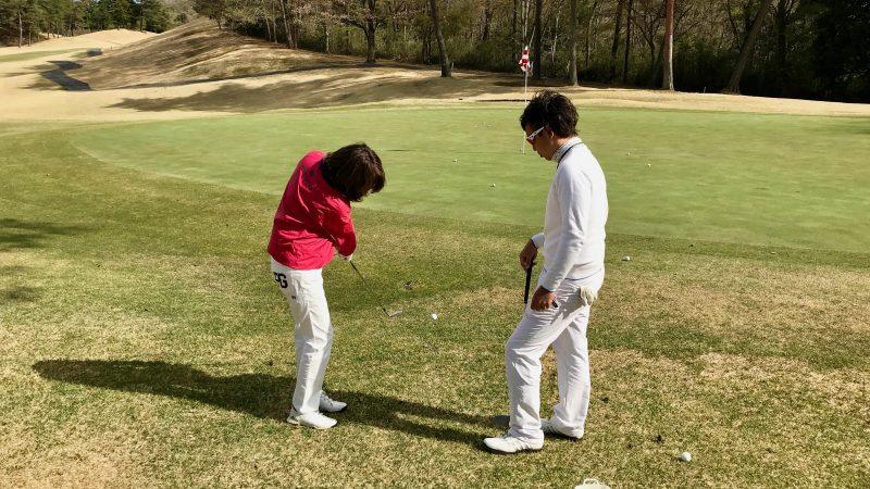 GEN-TENゴルフコースレッスングリーン横からのアプローチの写真②
