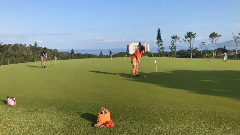 GEN-TENゴルフコースレッスン喜瀬CCパッティング練習の写真