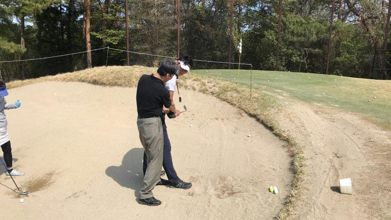GEN-TENゴルフコースレッスンバンカーショットレッスンの写真⑤