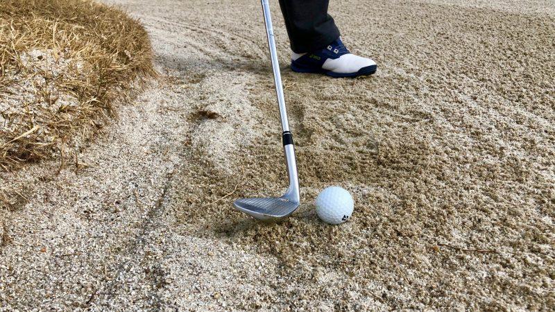 GEN-TENゴルフコースレッスンバンカーフェースの向きの写真