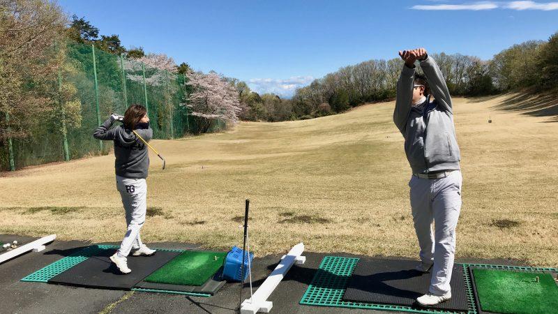 GEN-TENゴルフコースレッスンドライビングレンジレッスン風景の写真②