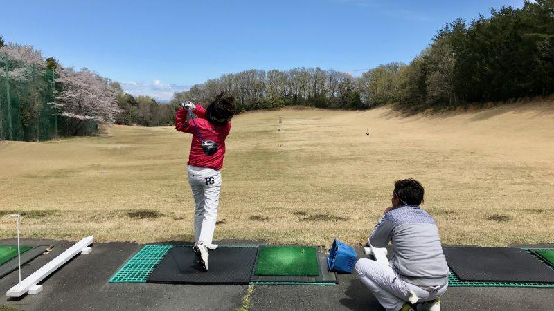 GEN-TENゴルフコースレッスンドライビングレンジレッスン風景の写真⑥