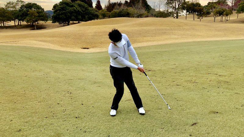 GEN-TENゴルフコースレッスンミスショットインパクトの写真