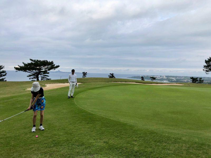 GEN-TENゴルフコースレッスングリーン周りのアプローチの写真