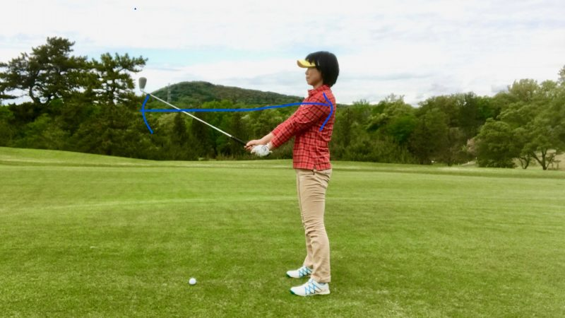 GEN-TENゴルフコースレッスン手首が折れている写真