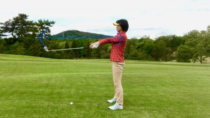 GEN-TENゴルフコースレッスン手首が伸びている写真