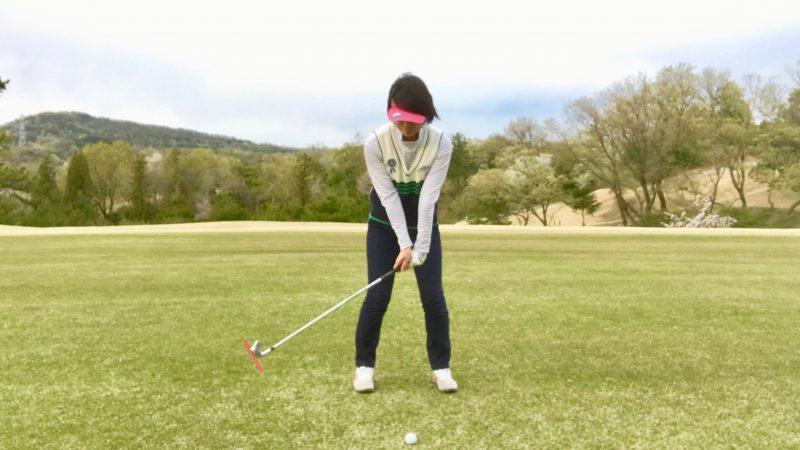 GEN-TENゴルフコースレッスンテークバック正面からの写真