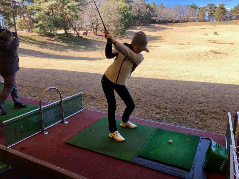 ゴルフスイングテークバックの写真