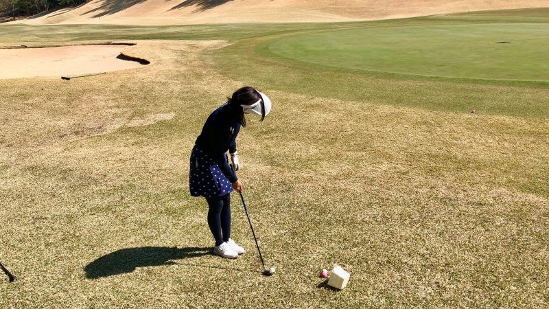 GEN-TENゴルフコースレッスンランニングアプローチ正面