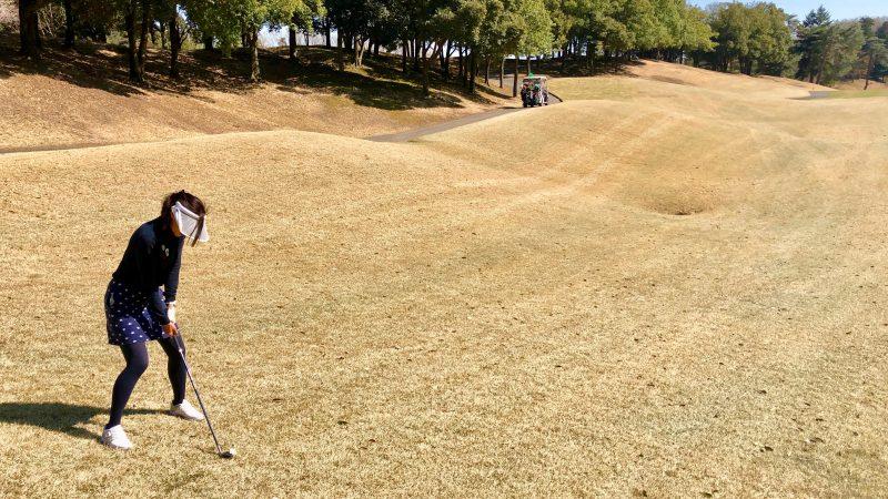 GEN-TENゴルフコースレッスンつま先下がりからのショット
