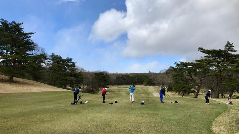 GEN-TENゴルフコースレッスン那須強化合宿FW&ロングアイアンの練習風景の写真