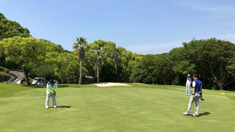 GEN-TENゴルフコースレッスン高知キャンプ土佐CCパッティングの写真
