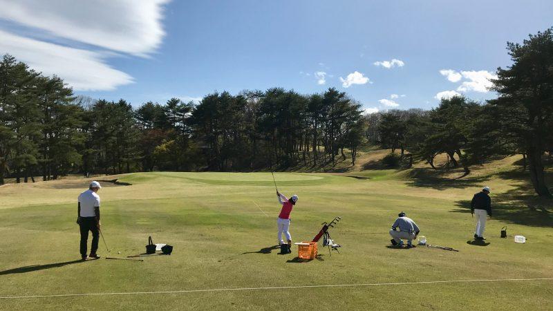 GEN-TENゴルフコースレッスン那須強化合宿80yショットの練習風景の写真