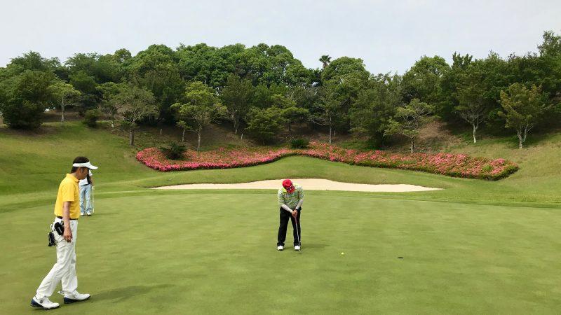 GEN-TENゴルフコースレッスン高知キャンプKochi黒潮CCパッティングの写真