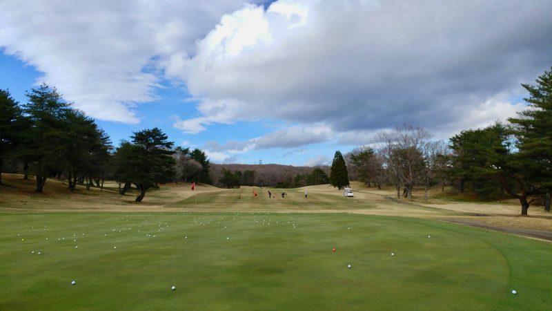 GEN-TENゴルフコースレッスン那須強化合宿100yショットの練習風景の写真