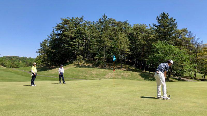 GEN-TENゴルフコースレッスンハーフラウンドパッティングの写真①