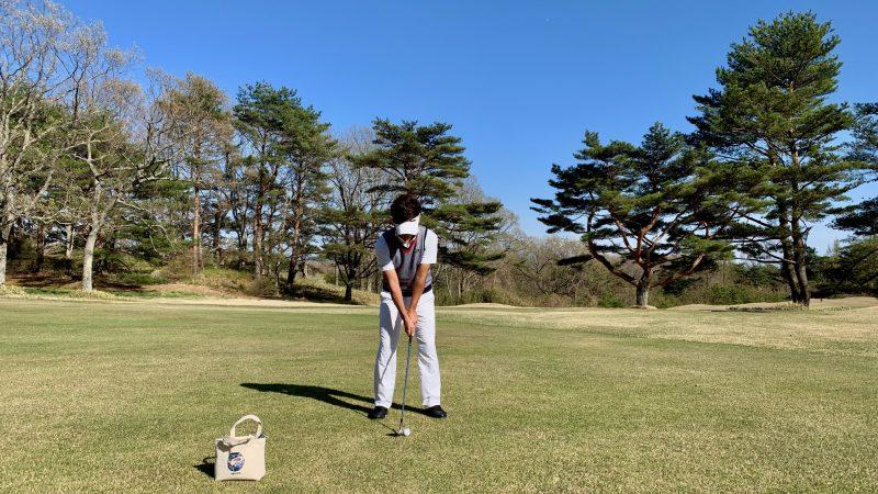 GEN-TENゴルフコースレッスンフルショットのアドレスの写真