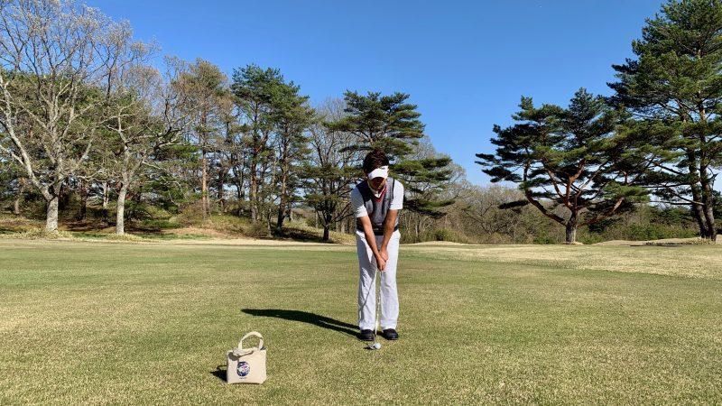 GEN-TENゴルフコースレッスンアプローチのアドレスの写真
