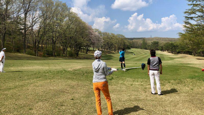 GEN-TENゴルフコースレッスン那須国際CCラウンドティショットの写真