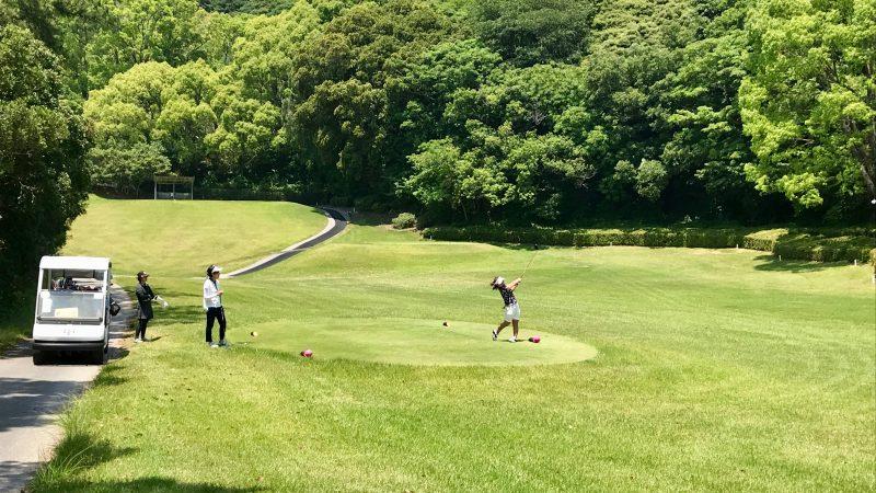 GEN-TENゴルフコースレッスン高知キャンプ土佐CCティショットの写真②