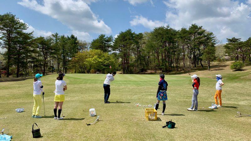GEN-TENゴルフコースレッスン那須国際CCアプローチデモショットの写真