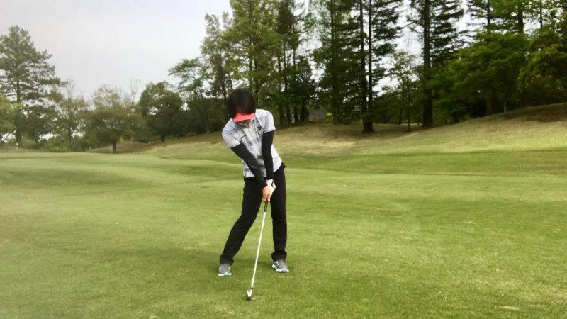 GEN-TENゴルフコースレッスンインパクト直前の写真