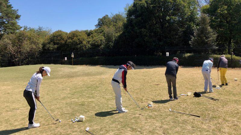 GEN-TENゴルフコースレッスンアカデミアアプローチの練習風景の写真