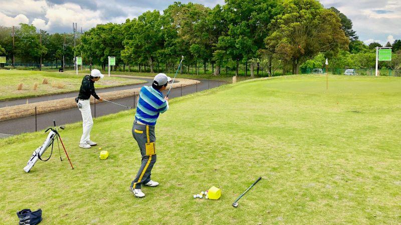 GEN-TENゴルフコースレッスンワンウェイGCアプローチエリア練習風景の写真②