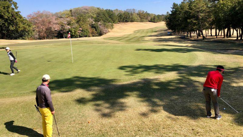 GEN-TENゴルフコースレッスンアカデミアグリーン周りのアプローチの写真
