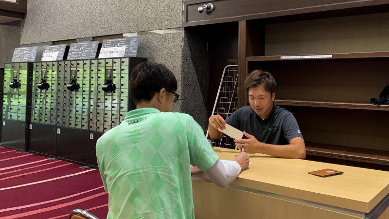 GEN-TENゴルフコースレッスン 松村大輝コーチのレッスンの様子3