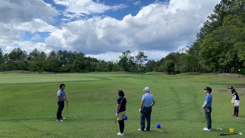 GEN-TENゴルフコースレッスン坂井 槙之介コーチのアプローチレッスンの様子14