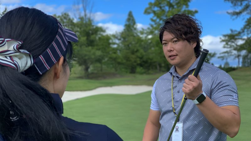 GEN-TENゴルフコースレッスン坂井 槙之介コーチのアプローチレッスンの様子16
