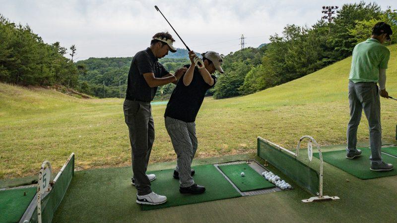 GEN-TENゴルフコースレッスン 松村大輝コーチのレッスンの様子5