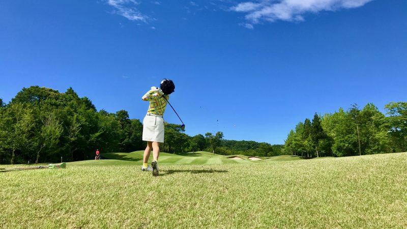 GEN-TENゴルフコースレッスンチャーターキャンプウィンザーパークラフからのFWショットの写真