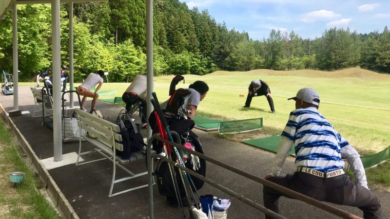 GEN-TENゴルフコースレッスンディスカバリーキャンプストレッチの写真