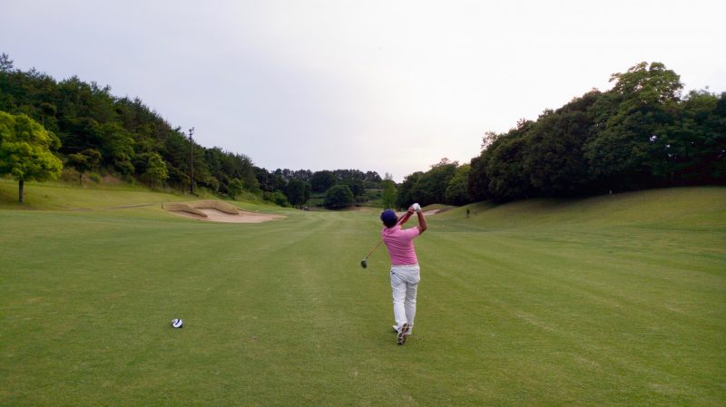 GEN-TENゴルフコースレッスンムーンレイクGC市原ナイターセカンドショットの写真