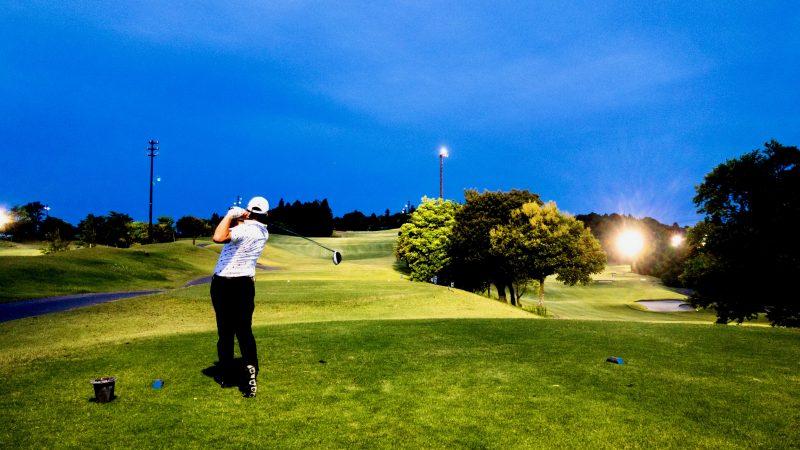 GEN-TENゴルフコースレッスンムーンレイクGC市原ナイターティショットの写真