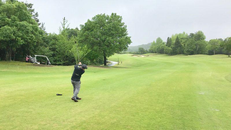 GEN-TENゴルフコースレッスンチャーターキャンプウィンザーパークUTショットの写真