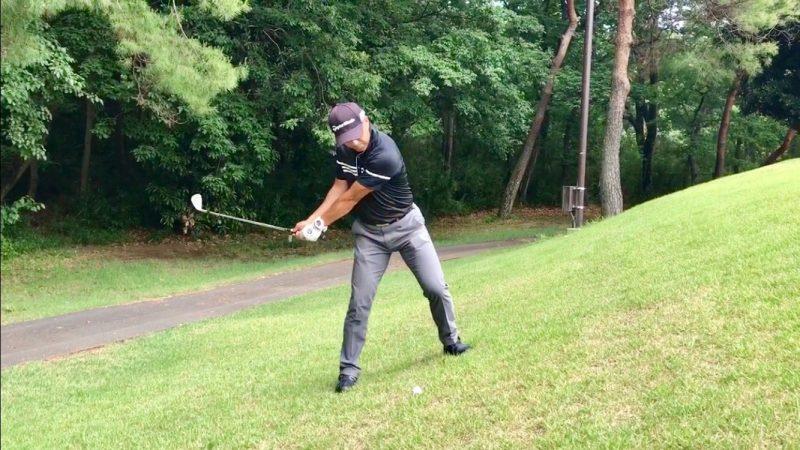 GEN-TENゴルフコースレッスン左足上がりのアプローチトップの写真