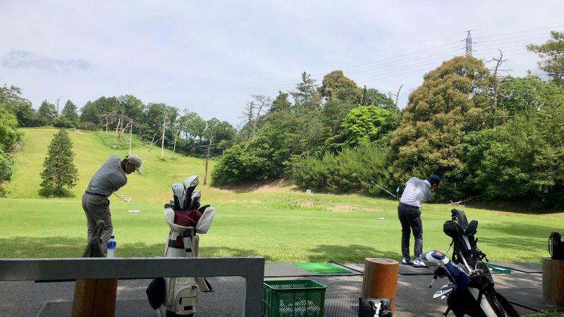 GEN-TENゴルフコースレッスンスリーレイクスCCの練習場の写真