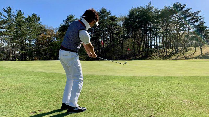 GEN-TENゴルフコースレッスンアプローチシャンクフォローの写真