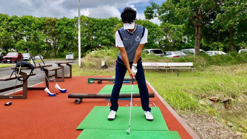 GEN-TENゴルフコースレッスン悪いアドレス正面からの写真