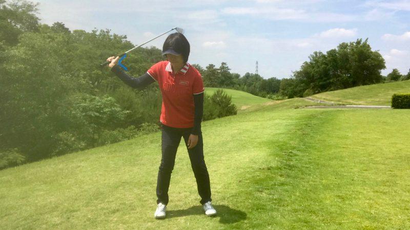 GEN-TENゴルフコースレッスン右手首の使い方テークバックの写真