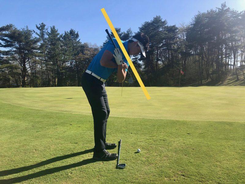 GEN-TENゴルフコースレッスンアプローチ肩縦回転の写真